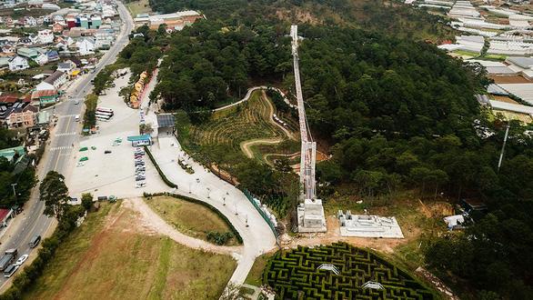 Hợp thức công trình trái phép cầu đáy kính khổng lồ ở Thung lũng tình yêu? - Ảnh 1.