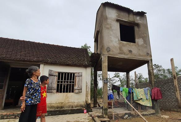 Tăng hỗ trợ cho người nghèo xây nhà chống lũ - Ảnh 1.