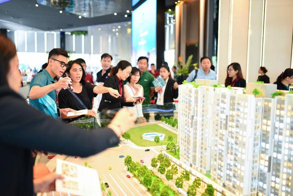 Giới chuyên gia mách nước đầu tư bất động sản với 300 triệu - Ảnh 1.