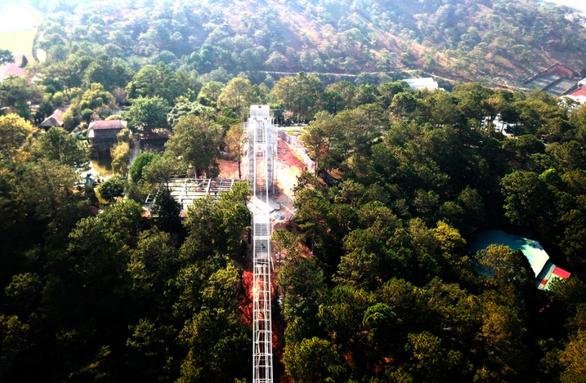 Hợp thức công trình trái phép cầu đáy kính khổng lồ ở Thung lũng tình yêu? - Ảnh 2.