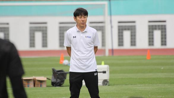 Điểm tin thể thao tối 12-12: CLB TP.HCM suýt thua đội hạng nhì, ông Shin Tae Yong xuất hiện - Ảnh 3.