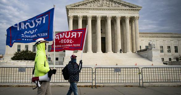 Tòa tối cao bác đơn kiện, đảng viên Cộng hòa đề nghị Texas và nhiều bang ly khai - Ảnh 1.