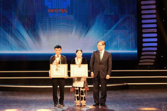 2 học sinh Bát Xát, Lào Cai nhận giải đặc biệt cuộc thi sáng tạo thanh thiếu nhi - Ảnh 1.