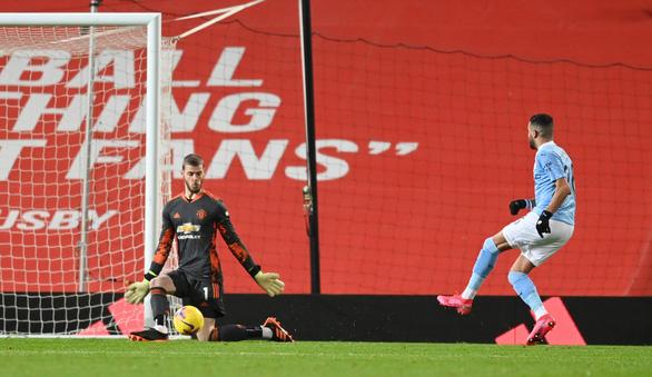 'Man đỏ' và 'Man xanh' bất phân thắng bại tại Old Trafford - Ảnh 2.