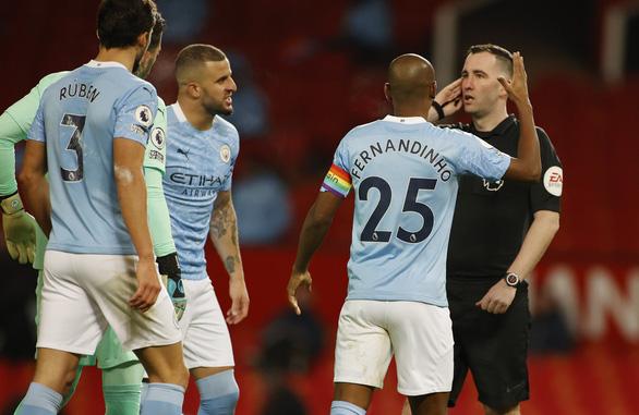'Man đỏ' và 'Man xanh' bất phân thắng bại tại Old Trafford - Ảnh 3.