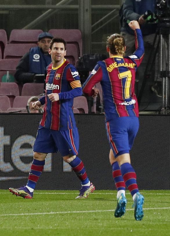 Messi ghi bàn thắng muộn giúp Barca vươn lên... thứ 8 - Ảnh 1.
