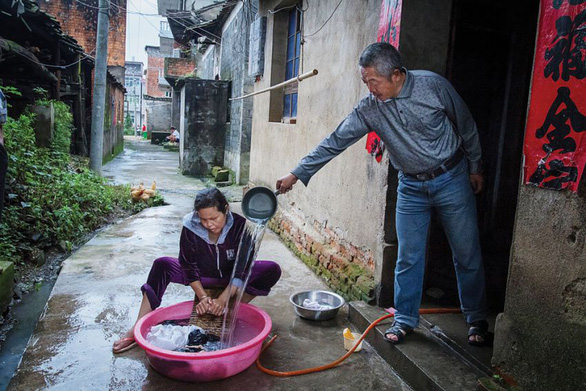 Nạn buôn cô dâu Campuchia sang Trung Quốc tăng mạnh do COVID-19 - Ảnh 1.