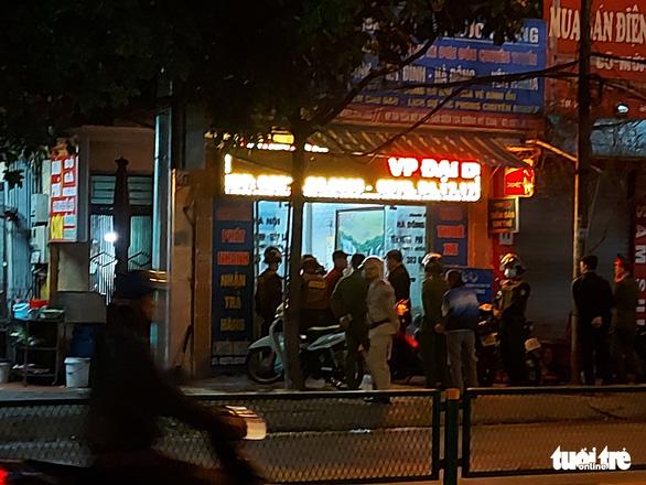 Vụ tài xế xe khách bị hành hung: Bắt giám đốc Công ty Phúc Cường, lộ cả kho đao kiếm - Ảnh 4.