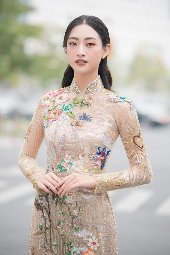 Hoa hậu Lương Thùy Linh tiết lộ là mình là fan cuồng của Phở - Ảnh 2.