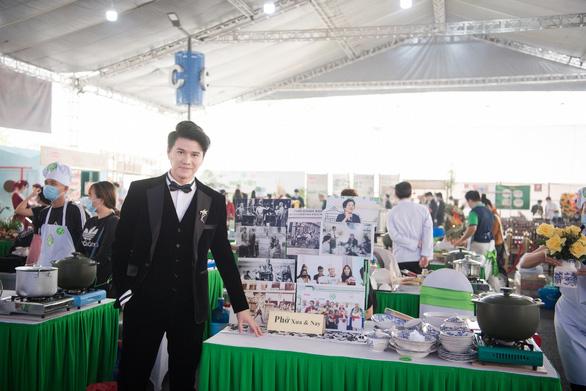 Hoa hậu Lương Thùy Linh tiết lộ là mình là fan cuồng của Phở - Ảnh 3.