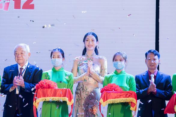 Hoa hậu Lương Thùy Linh tiết lộ là mình là fan cuồng của Phở - Ảnh 5.