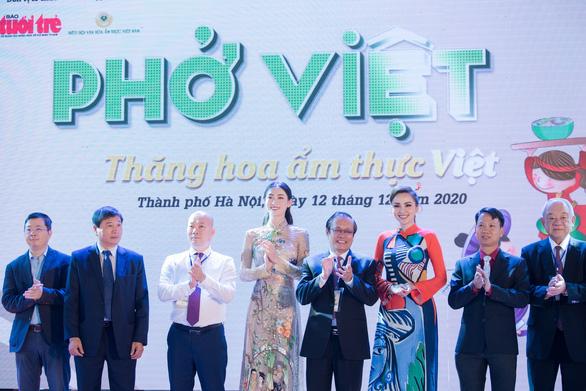 Hoa hậu Lương Thùy Linh tiết lộ là mình là fan cuồng của Phở - Ảnh 6.
