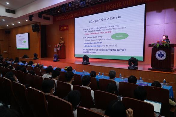 Trẻ em bị thừa cân, béo phì tại Việt Nam đang tăng gấp 10 lần - Ảnh 1.