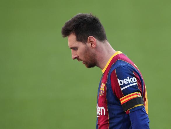Điểm tin thể thao tối 15-12: Messi lại bị yêu cầu giảm lương - Ảnh 1.