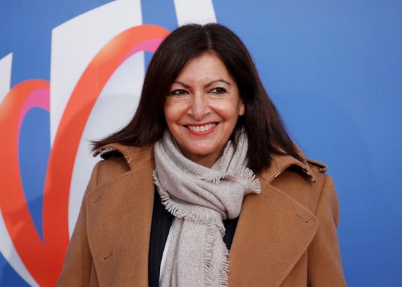 Thị trưởng Paris hạnh phúc khi bị phạt 90.000 euro vì tuyển bộ máy quản lý quá nữ tính - Ảnh 1.