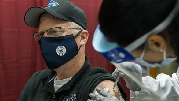 Đảng viên Cộng hòa không muốn tiêm vắc xin COVID-19 nhiều gấp 4 lần Đảng Dân chủ - Ảnh 1.