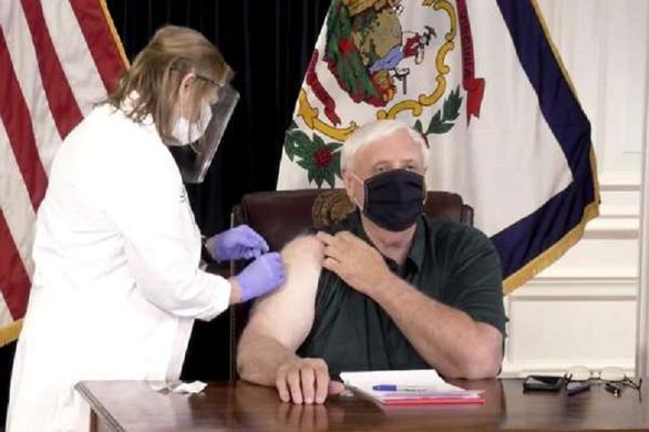 Đảng viên Cộng hòa không muốn tiêm vắc xin COVID-19 nhiều gấp 4 lần Đảng Dân chủ - Ảnh 2.