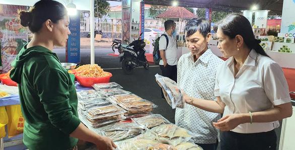 Khai mạc hội chợ sản phẩm OCOP phía Nam - Ảnh 1.