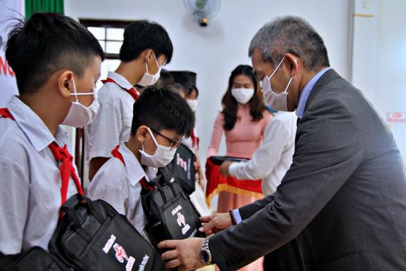Doanh nghiệp Nhật chia sẻ khó khăn cùng học sinh Đồng Nai - Ảnh 2.