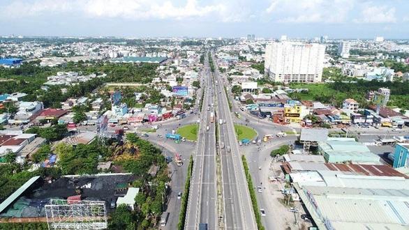 Triển khai trục đại lộ kinh tế, tài chính, dịch vụ tại Thuận An - Ảnh 2.