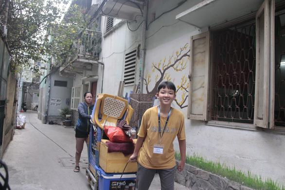 Nữ sinh viên vào trường y dược: gói xôi, ổ bánh mì qua cơn đói mỗi trưa - Ảnh 1.