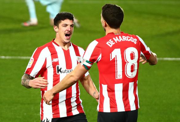 Benzema lập cú đúp, Real Madrid khuất phục 10 người Athletic Bilbao - Ảnh 2.