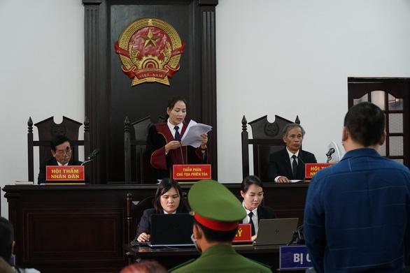Phạt tài xế xe Mercedes tông nữ tiếp viên Vietnam Airlines 7 năm 6 tháng tù - Ảnh 1.