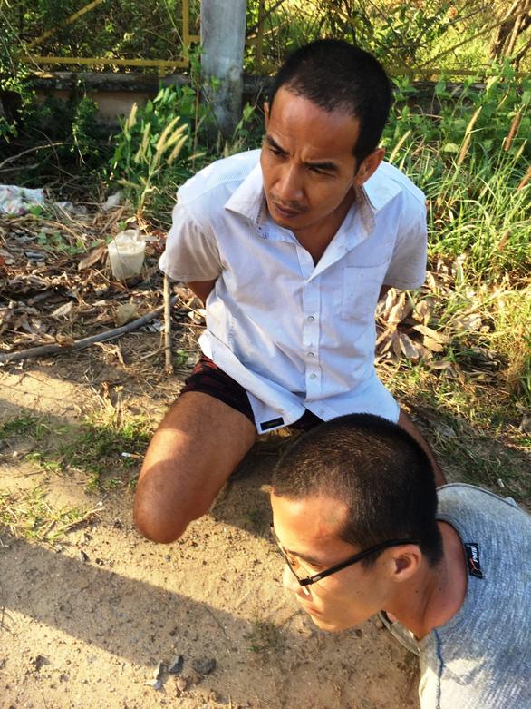 Đã bắt được 2 tù nhân đang thụ án tội giết người trốn khỏi trại giam - Ảnh 1.