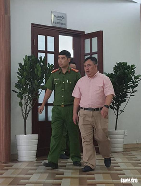 Đình chỉ công tác 2 lãnh đạo Bệnh viện Mắt TP.HCM để phục vụ điều tra - Ảnh 1.