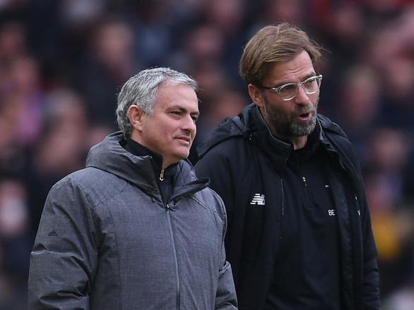 Mourinho mỉa mai Klopp về chấn thương của Liverpool - Ảnh 1.