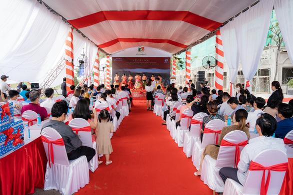 Sôi động giao dịch tại lễ cất nóc nhà phố thương mại Ha Tien Centroria - Ảnh 5.