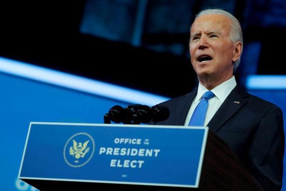 Ông Biden nói chuyện với lãnh đạo phe đa số ở Thượng viện McConnell - Ảnh 1.