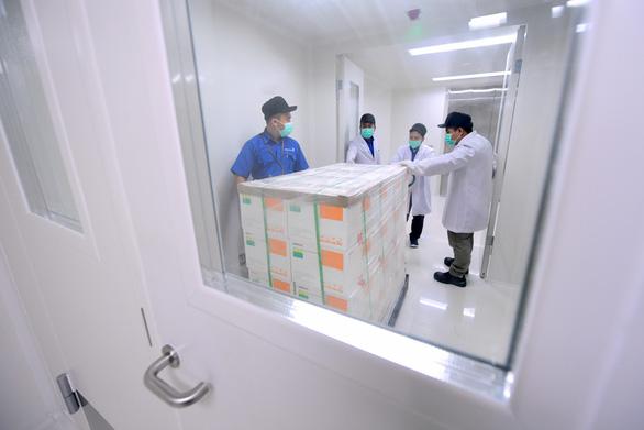 Indonesia lo vắc xin COVID-19 miễn phí cho dân như thế nào? - Ảnh 2.
