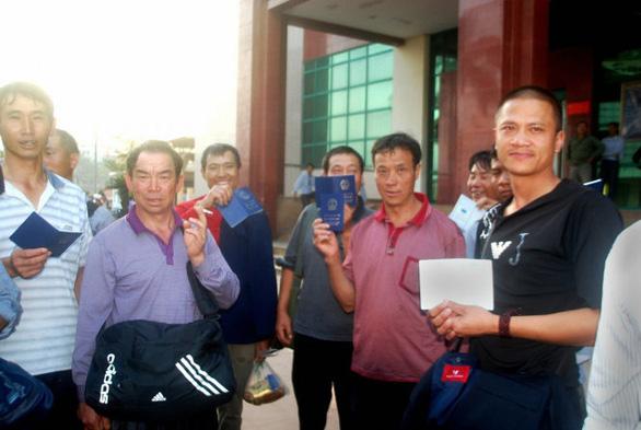 Vướng mắc khi xử lý người Trung Quốc dùng hộ chiếu in đường lưỡi bò - Ảnh 1.