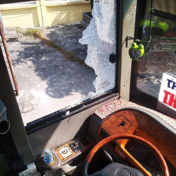 Triệu tập 3 nghi phạm đánh tài xế, phụ xe khách tại Thái Bình - Ảnh 3.