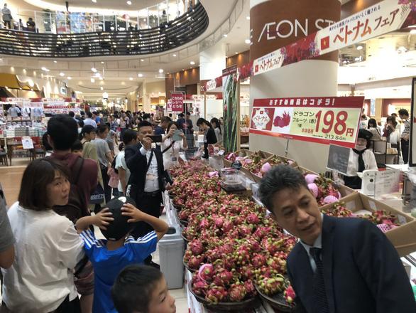 Hàng Việt vẫn khó vào siêu thị ngoại - Ảnh 1.