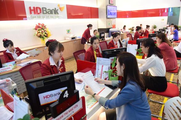 Ngân hàng tung khuyến mãi cho khách hàng gửi tiền dịp Noel và năm mới - Ảnh 1.