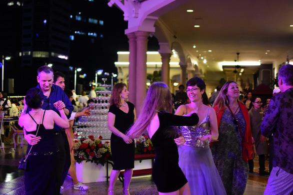 Các khách sạn thuộc Saigontourist Group khuyến mãi 'khủng' đón Giáng sinh và năm mới - Ảnh 1.