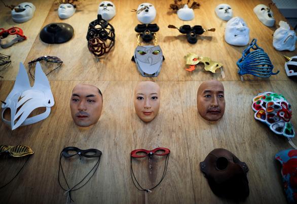 Mặt nạ người 3D thật đến rợn người giá 950 USD ở Nhật - Ảnh 2.