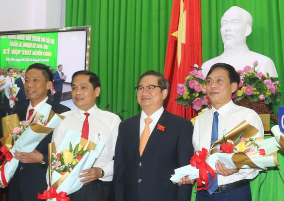 Thủ tướng phê chuẩn 3 tân phó chủ tịch Cần Thơ - Ảnh 1.
