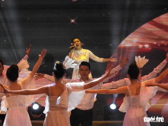 Mỹ Linh, Tùng Dương, Khánh Linh hát về biển, đảo - Ảnh 5.