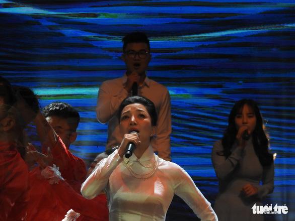 Mỹ Linh, Tùng Dương, Khánh Linh hát về biển, đảo - Ảnh 6.