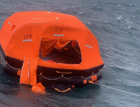 Tìm thấy thêm 1 thi thể vụ tàu chìm ở Phú Quý - Ảnh 1.