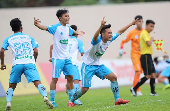 Điểm tin thể thao tối 19-12: CLB TP.HCM thắng Sài Gòn, ĐH Cần Thơ vào chung kết SV-League 2020 - Ảnh 2.