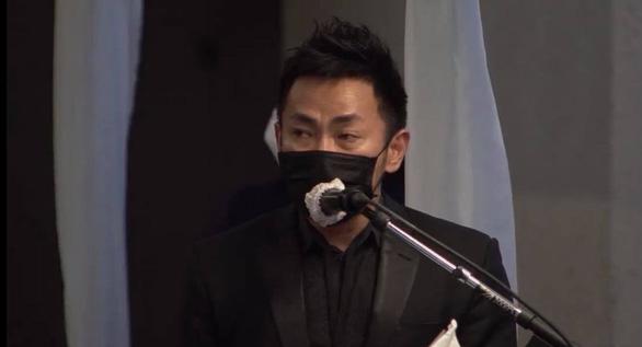 Nghệ sĩ, khán giả Việt ở Mỹ nghẹn ngào viếng nghệ sĩ Chí Tài - Ảnh 8.