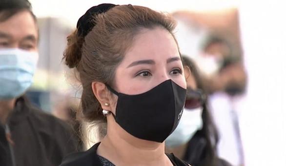 Nghệ sĩ, khán giả Việt ở Mỹ nghẹn ngào viếng nghệ sĩ Chí Tài - Ảnh 4.