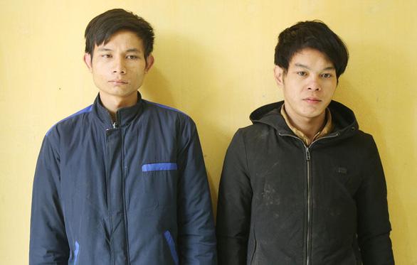 Hai thanh niên trộm chó tông xe vào đội tuần tra, chém công an xã - Ảnh 2.