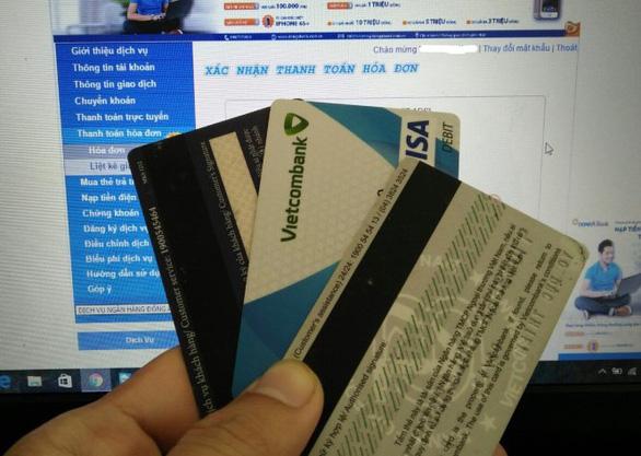 Ngân hàng dừng phát hành thẻ từ ATM từ ngày 31-3-2021, thay bằng thẻ chip - Ảnh 1.