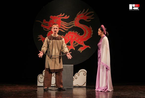 Việt Hoa 'Đào đanh đá' nhận huy chương vàng Tài năng trẻ diễn viên kịch nói toàn quốc - Ảnh 7.