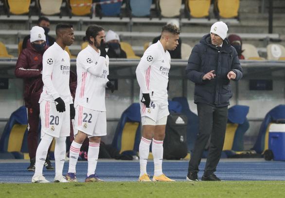 Lại thua đội bóng Ukraine, Real gặp khó ở Champions League - Ảnh 2.